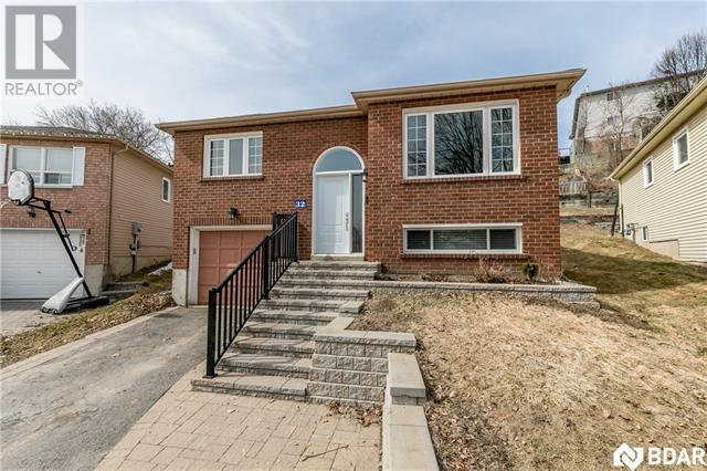 Real Estate -   32 ENGEL Crescent, Barrie, Ontario -