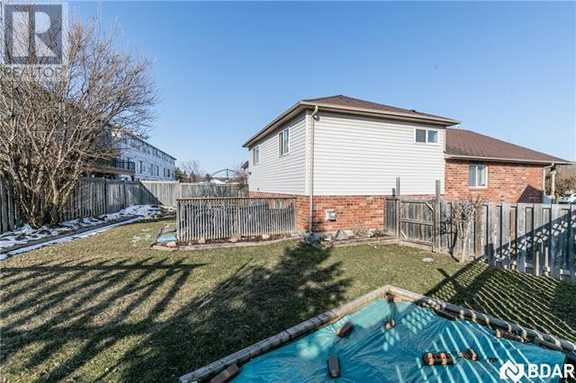Real Estate -   58 DRAPER Crescent, Barrie, Ontario -