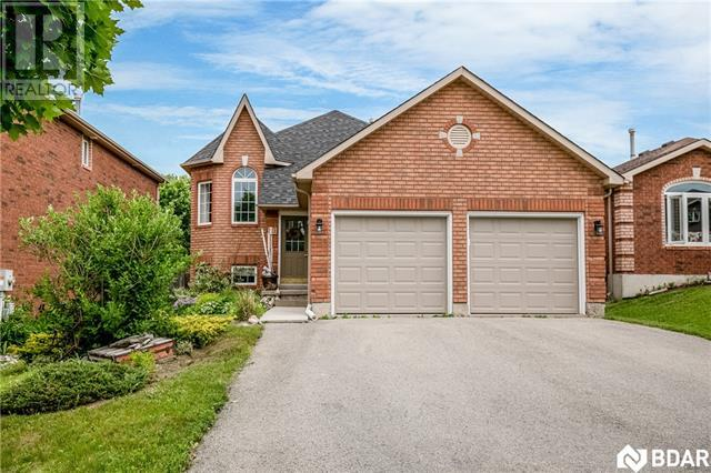 Real Estate Listing   11 PEREGRINE Road Barrie