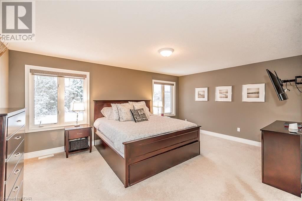 Real Estate -   13 AUBURN Court, Barrie, Ontario -