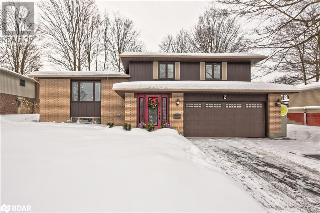 Real Estate -   9 VIRGILWOOD Crescent, Barrie, Ontario -